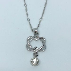 Jewelry - Connected Double Heart Silver Pendant Necklace.